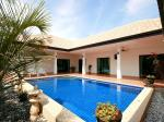 Beautiful landscaped garden home with pool in Hua Hin